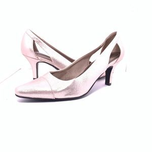 New- Life Stride Silver Heels